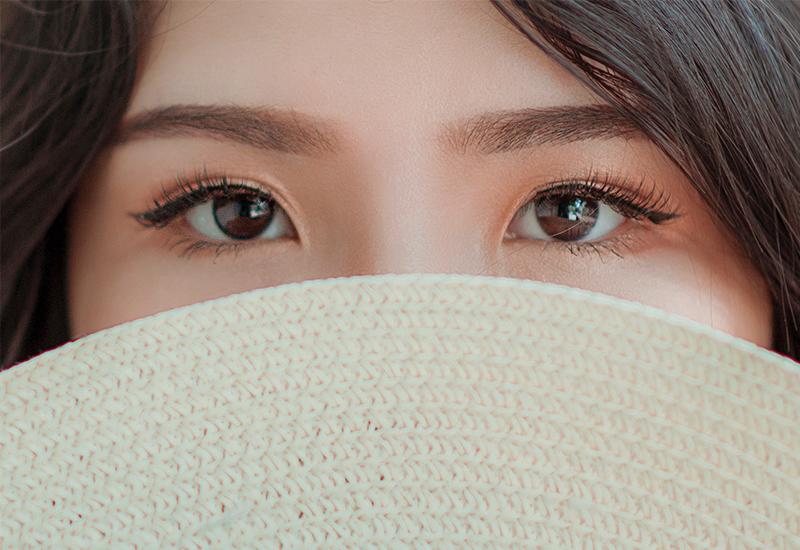800x 550 ppi_kevin eye2
